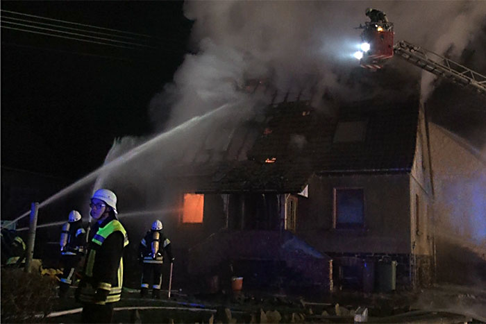 Wohnhaus in Bilkheim wird Raub der Flammen