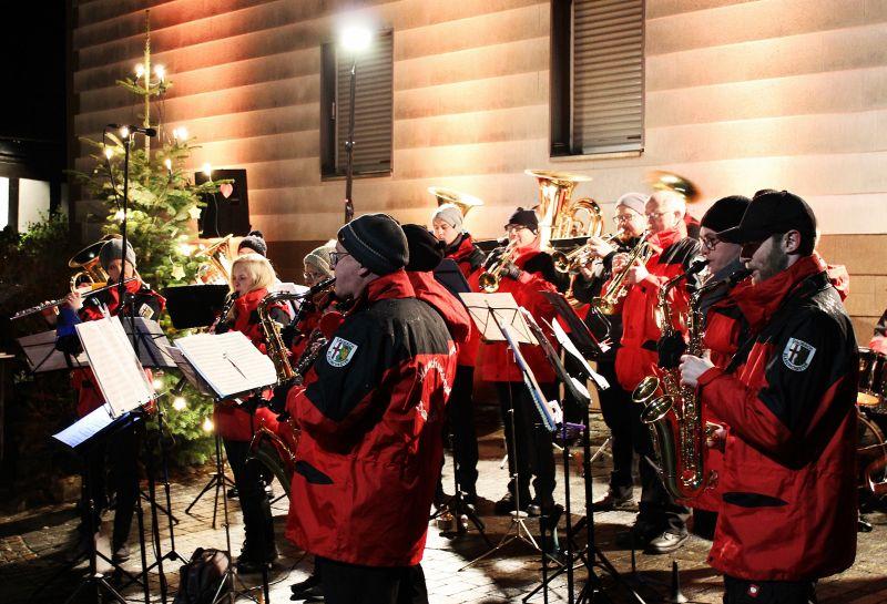 Weihnachtslieder Blasorchester.Blasorchester Daubach Stimmt Auf Jahreskonzert Und Großes Fest Ein