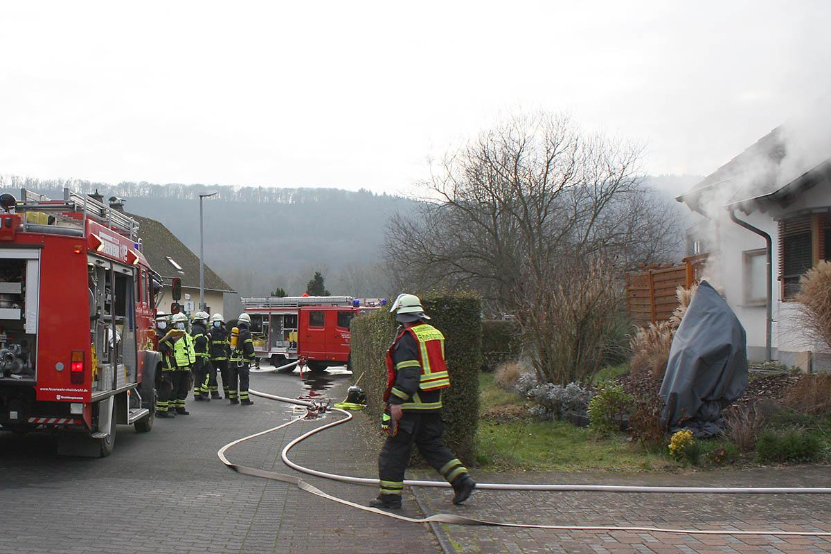 Kellerbrand in Leutesdorf fordert Feuerwehren