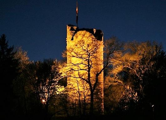 Burglahrer laden zum Weihnachtssingen auf der Burg