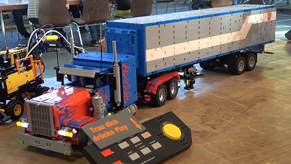 """Viele Besucher bei Lego-Ausstellung """"Brickborn"""" in der Augst"""
