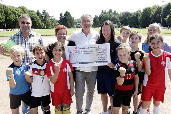 Sportcamp-Finale: Dicker Scheck für die Tour der Hoffnung