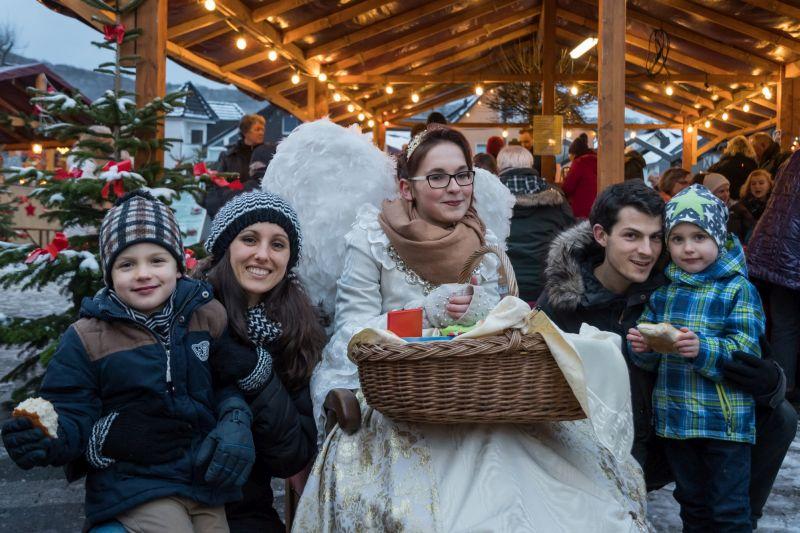 Willkommen im Weihnachtsdorf Waldbreitbach