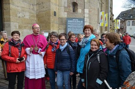 Die Frauen trafen auch den Bischof von Trier, Dr. Stephan Ackermann. (Foto: DJK Wissen-Selbach)