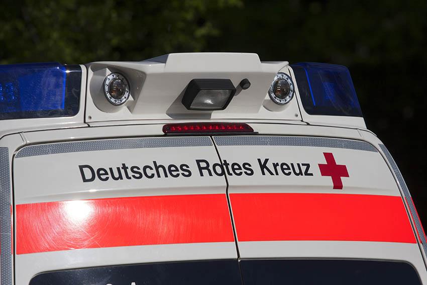 Verkehrsunfall mit verletztem Motorradfahrer auf Alteck