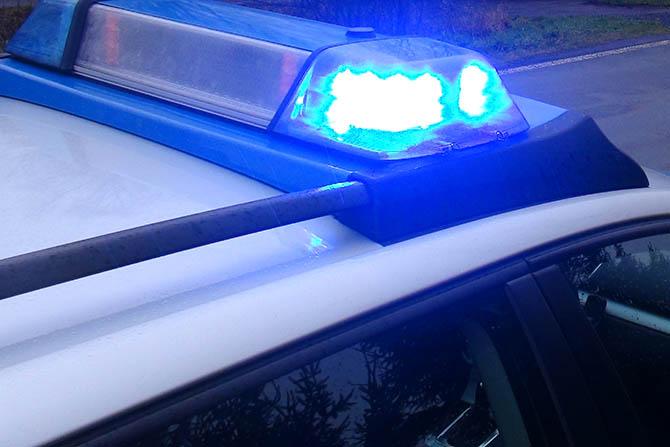 Mehrere PKW in der Museumstraße Neuwied beschädigt