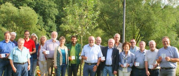 Dank vieler Baumspenden: Streuobstwiese an der Wissener Siegpromenade wächst
