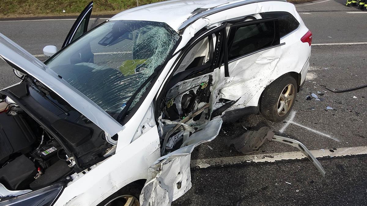 Schwerer Verkehrsunfall auf B 414, Abfahrt Marienstatt