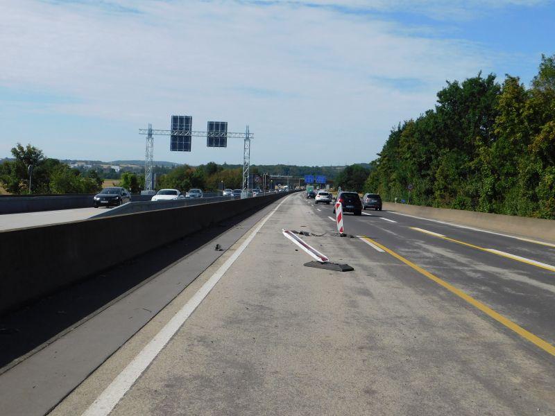 Verkehrsunfall auf der A 48 mit Fahrerflucht