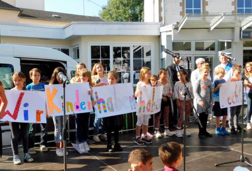 Weltkindertag: Kinder erobern den Marktplatz in Selters