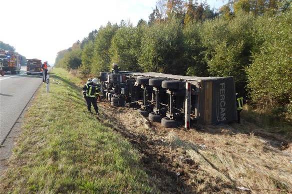 LKW-Unfall mit hohem Sachschaden