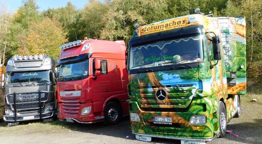 Fahrende Kunstwerke und Kapitäne der Landstraße: Trucker-Treffen in Enspel