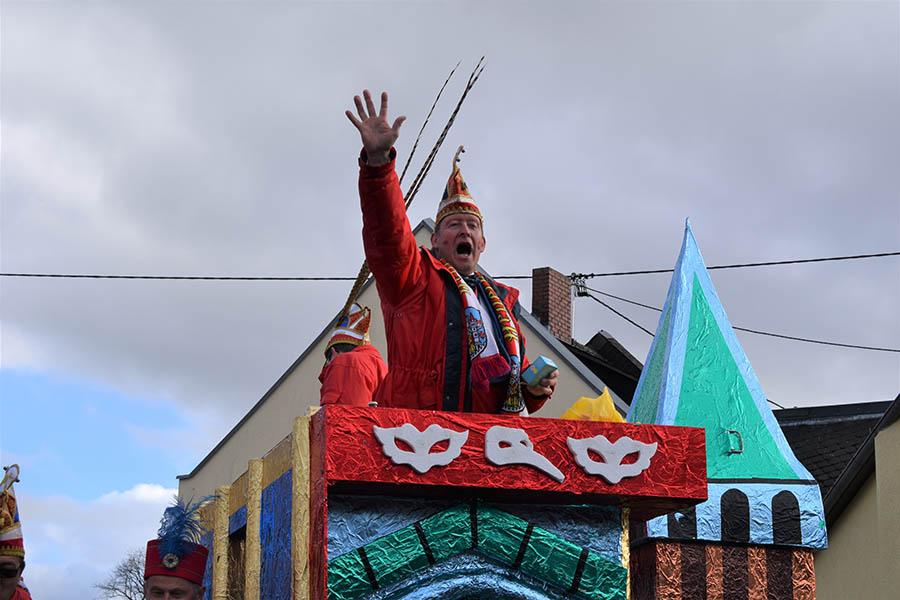 Karnevalsumzug in Montabaur zog die Massen an