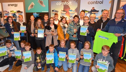 Westerwälder Firmenlauf: Die schnellsten Schülerteams geehrt