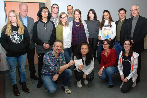 """Schulzeitung """"LESSON"""" der Ludwig-Erhard-Schule ausgezeichnet"""