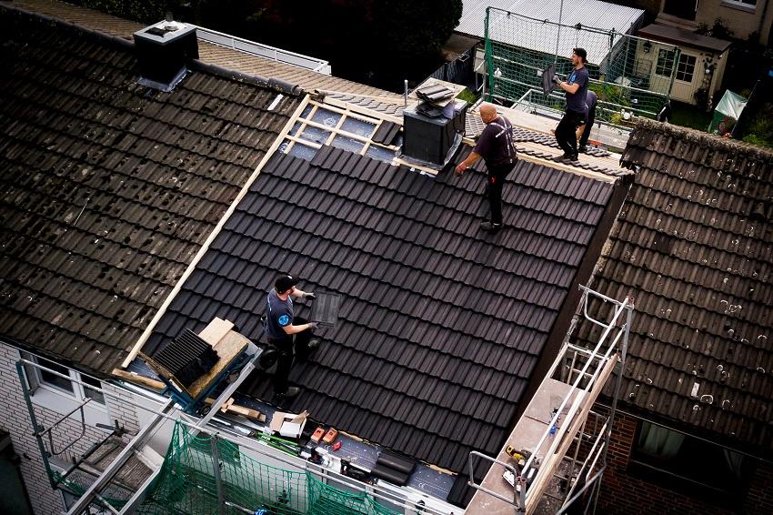 Mehr Geld für Dachdecker im Kreis Altenkirchen gefordert