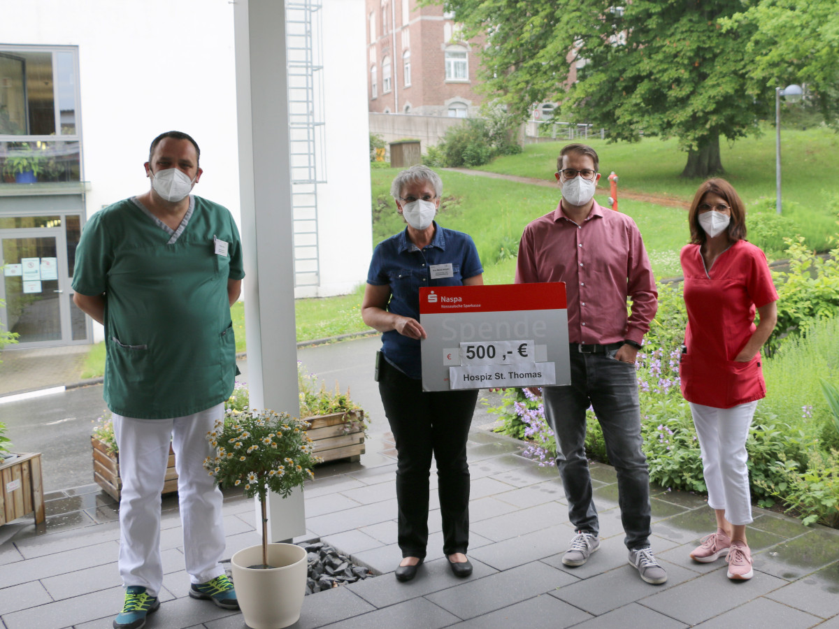 Tischtennisclub Winnen 70 unterstützt stationäres Hospiz St. Thomas