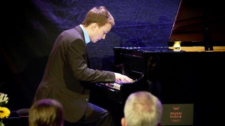 Musikgymnasium: Sparkassen-Stipendiaten zeigen ihr Können