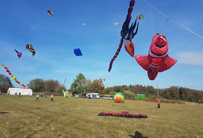 Immer wieder eindrucksvoll ist das Westerwälder Drachenflugfest. (Foto: VG Altenkrichen-Flammersfeld)