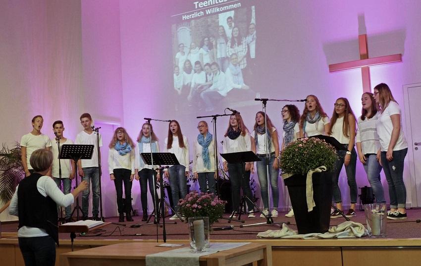 Jugendchor Teenitus mit Spa� am Gesang sucht neue Begeisterte
