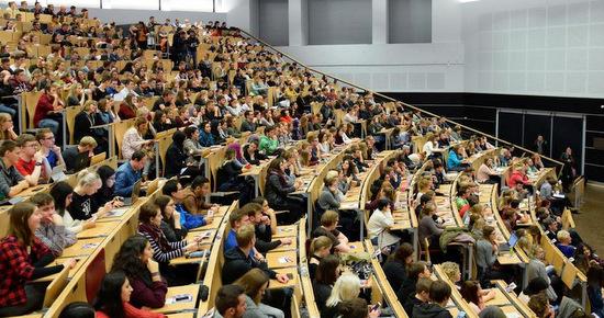 Die Universität Siegen informiert über Bewerbungen für zulassungsbeschränkte Bachelorstudiengänge im Clearinverfahren. (Foto: Universität Siegen)