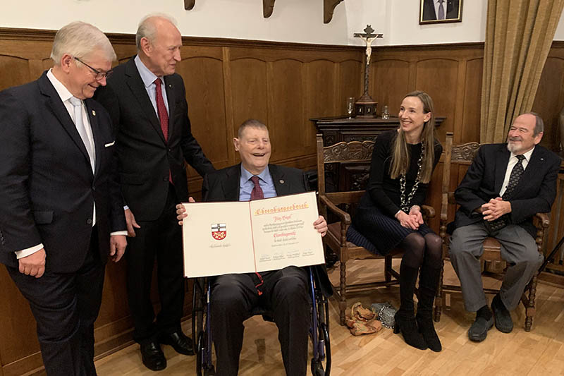 Henkel-Nachfahre Fritz Bagel nun Ehrenbürger von Unkel