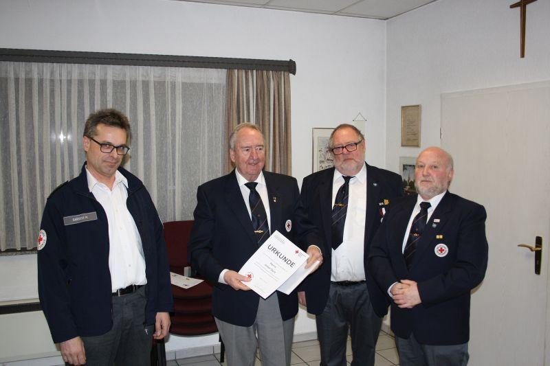 Ehrenvorsitzender Josef Gerz wird für 60 Jahre geehrt. Foto: privat