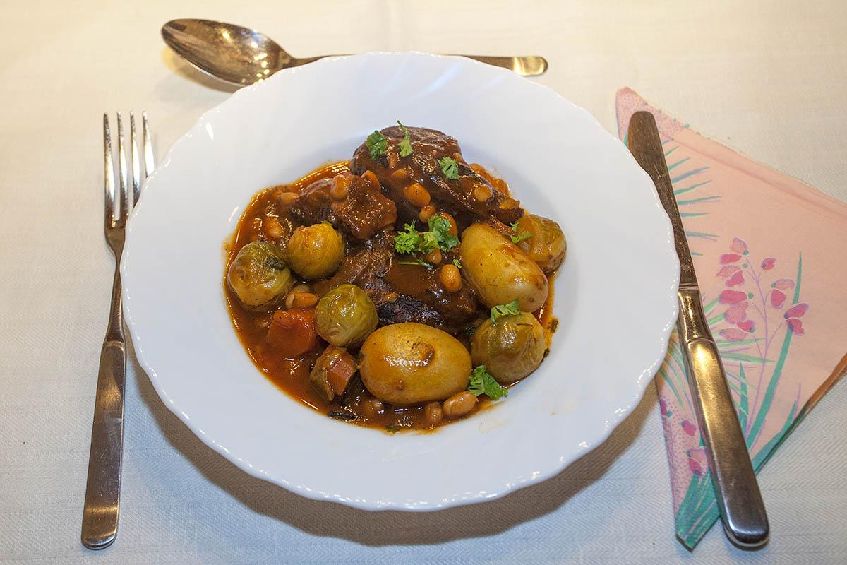 Westerwälder Rezepte: Eintopf mit Rinderbeinscheibe