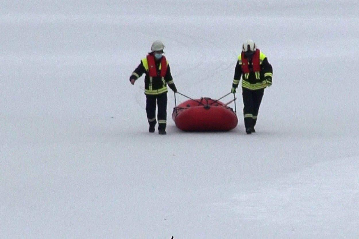 Suchaktion wegen Eiseinbruch von Personen