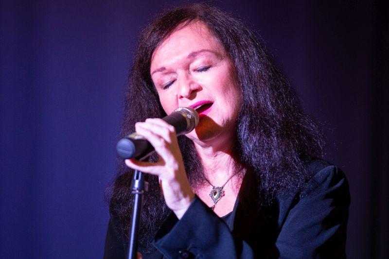 Gefühlvolles Konzert mit Esther Lorenz