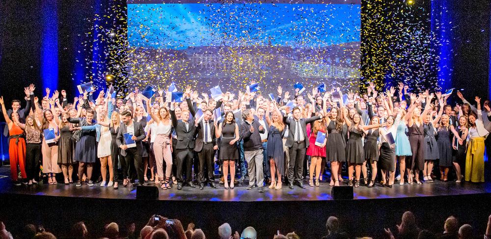 629 Studierende feiern ihren Abschluss an der Uni Siegen