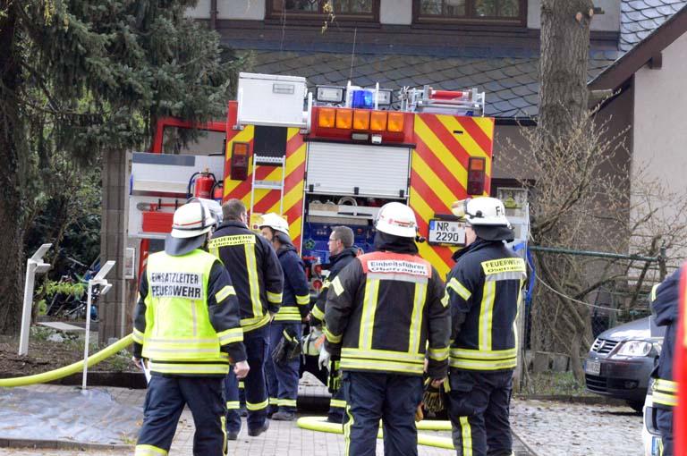 Wohnungsbrand in Gierend – mehrere Feuerwehren im Einsatz