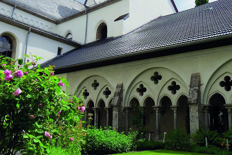 Auch die ehemalige Abtei Rommersdorf im Stadtteil Heimbach-Weis wird bei der Busrundfahrt angesteuert. Foto: Stadt Neuwied