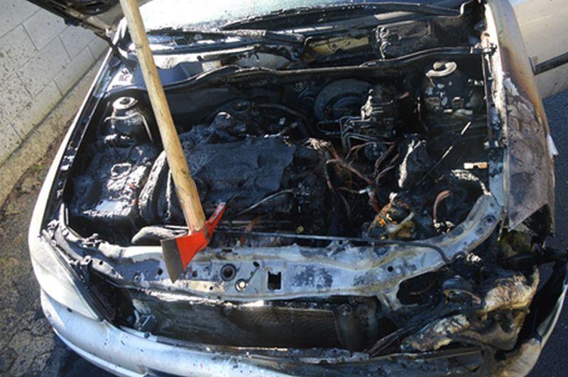 Fahrzeugbrand in Meudt
