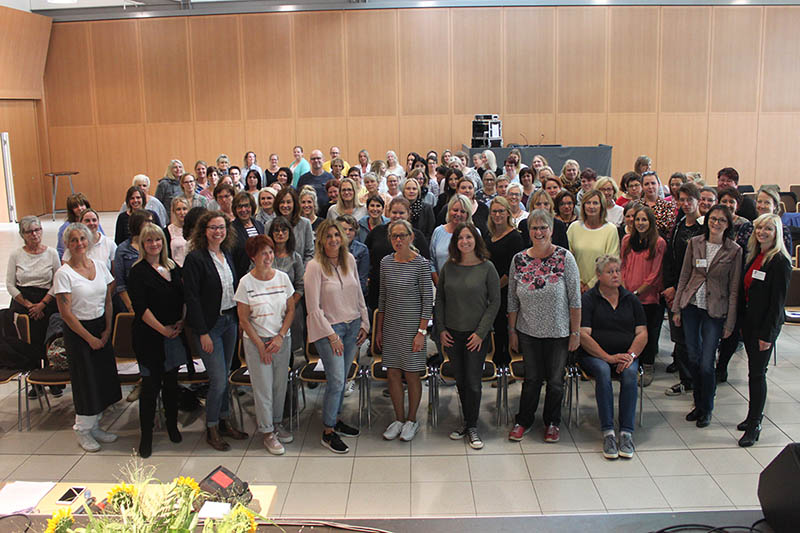 Zum Abschluss des Tages fassten Gesamtleiterin Nina Maurer und Assistentin Susanne Weis den Tag in Bildern zusammen. Foto: Susanne Weis