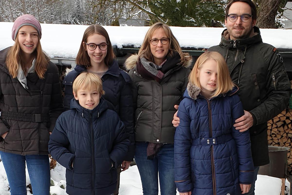 Familie aus Kleinmaischeid wird 100. Mitglied der Wäller-Markt-Genossenschaft.