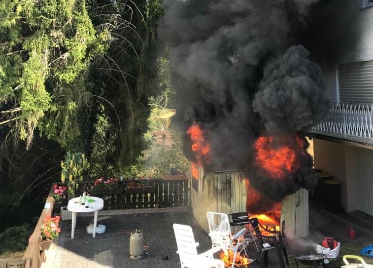 Schuppen in Hamm brannte lichterloh