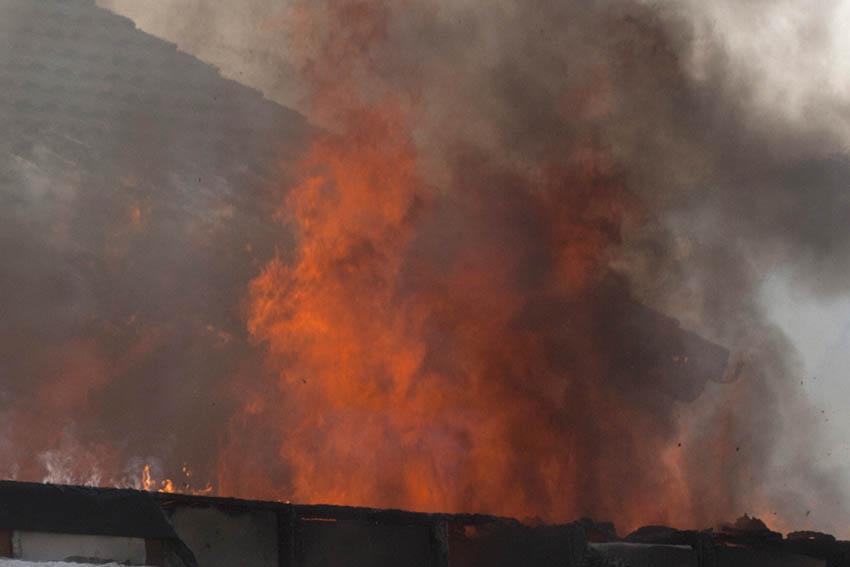 Garagenbrand in einem Wohnhaus