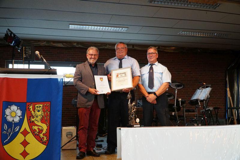 Feuerwehr und Jugendfeuerwehr Müschenbach feierten Geburtstag