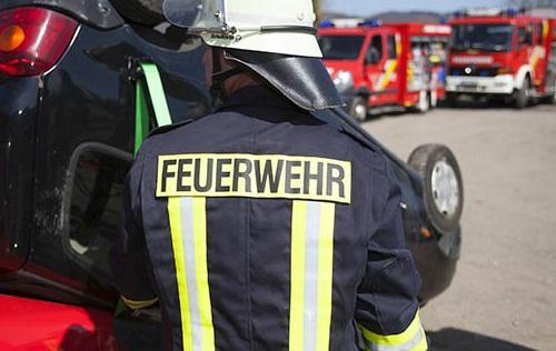 Feuerwehr Altenkirchen nach Flugzeugabsturz in Langenhahn im Einsatz