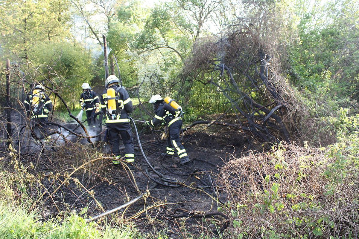 Flächenbrand in Leutesdorf - Feuerwehr verhindert Ausbreitung