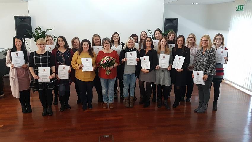 Fachkr�fte f�r Fr�hp�dagogik erhielten Zertifikate