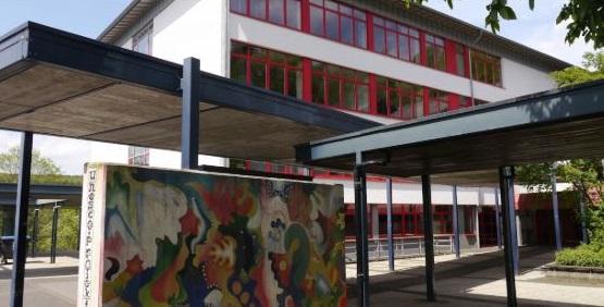 """Schließung der FvSGy-Bibliothek: """"Armutszeugnis für den Kreis"""""""