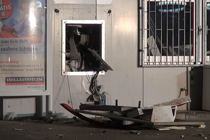 In Selters wurde Geldautomat an Tankstelle gesprengt