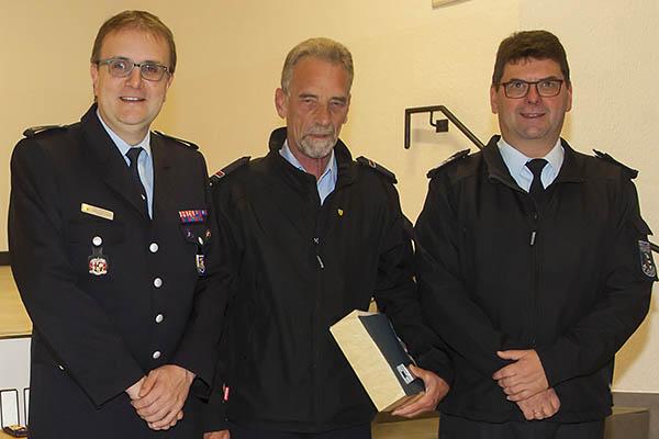 Dieter Gassen aus Kausen wird mit Ehrennadel des KFV ausgezeichnet