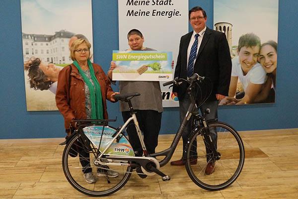 Von links: Maria Schulze, Christel Seifner und Michael Bleidt. Foto: SWN
