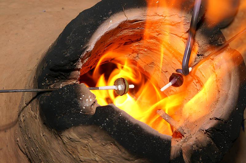 In der Römer-Welt werden Glasperlen hergestellt