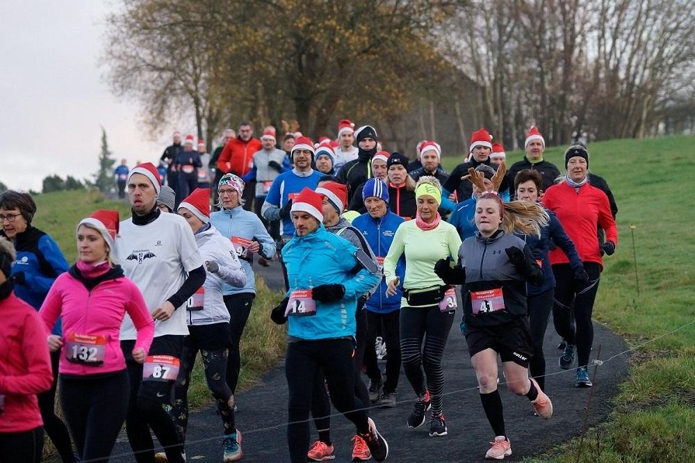 Großes Teilnehmerfeld beim 2. Glühweinlauf in Hachenburg