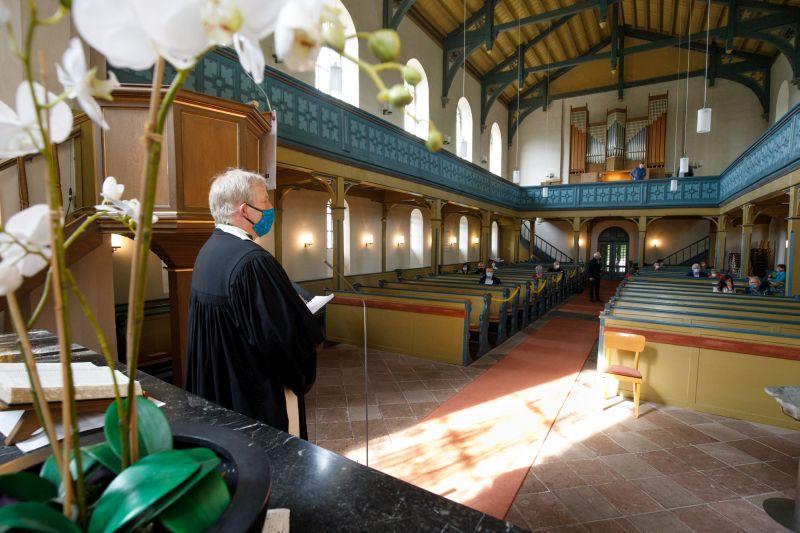 Kirburg: 30 Gläubige feiern ungewöhnlichen Gottesdienst