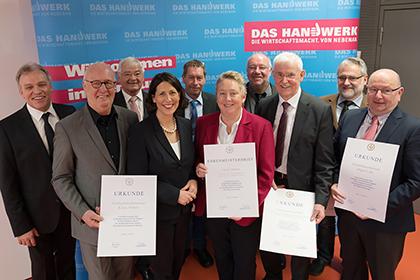 Handwerkskammer verlieh Goldene Ehrennadeln und Ehrenmeisterbrief